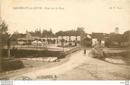 WW 71 SALORNAY-SUR-GUYE. Enfant Sur Le Pont 1929 - Other Municipalities