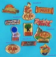 11 PIN'S //  ** LOGOS / SUCRERIES / BONBONS / CHOCOLATS / CARAMELS ** - Pin's