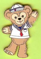 Pin's BD Disney Ourson Duffy Costume Marin Salue - 3I23 - Disney