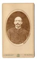 PHOTO ORIGINALE 1900 BERTHELOT PARIS - PORTRAIT En MEDAILLON HOMME MOUSTACHU MOUSTACHE - ANGE Au DOS - Persone Anonimi