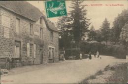 50 MONTCUIT / Sur La Grand Route / - Autres Communes
