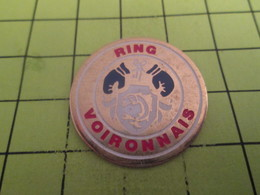 613d Pin's Pins / Beau Et Rare / THEME : SPORTS / BOXE RING VOIRONNAIS VOIRON - Boxing