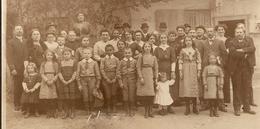 PHOTO ORIGINALE - GROUPE D'ENFANTS GARCONS FILLES - ECOLE UNIFORME INSTITUTEUR - ZOOM 2 Scans - Persone Anonimi