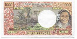 1992/94 - BILLET De 1000 FRANCS - 2 PETITS TROUS EPINGLE + PLI TRES PEU MARQUE + INFIME COUPURE 2mm - French Pacific Territories (1992-...)