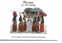 Polynésie Fr... - MOOREA - Le Tiki Village - Sur La Plage, La Promise Attend Son Bien Aimé - Polynésie Française
