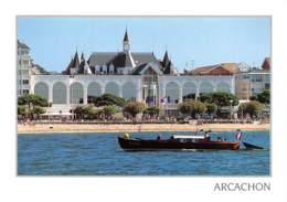 ARCACHON Arcachonnais Devant Le Palais Des Congrés Et Le Casino  23 (scan Recto Verso)MG2802 - Arcachon