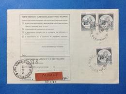 ITALIA COPPIA CASTELLO 600 LIRE + 600 SU BOLLETTINO PACCHI DEL 1983 - 6. 1946-.. Repubblica