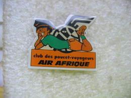 Pin's Des Poucet-voyageurs Avec AIR AFRIQUE - Airplanes
