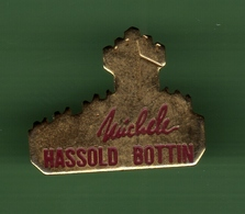 MICHELE HASSOLD BOTTIN *** 1021 - Badges