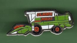 CLAAS MAXI *** 1024 - Badges