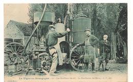 Beaune - La Vie En Bourgogne - 10 - Les Bouilleurs De Cru - La Distillation Des Marcs -   CPA° - Beaune
