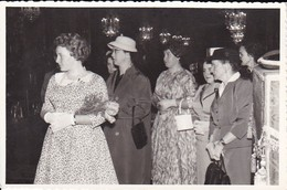 AK Foto Damen In Kleidern - Ca. 1940/50 (42257) - Autres Photographes