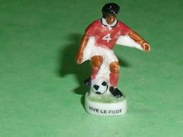 Fèves / Sports : Foot , Vive Le Foot  ( Petit Modele )  T14 - Sports