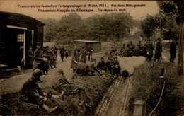 PRISONNIERS FRANCAIS EN ALLEMAGNE  ..CPA ANIMEE - War 1914-18