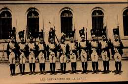 LES GRENADIERS DE LA GARDE....CPS ANIMEE - Casernes