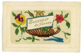 CPA 58 NEVERS SOUVENIR DE CARTE BRODEE - Nevers