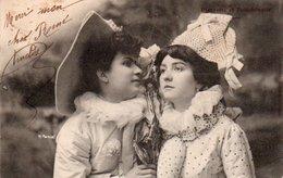 96Ve   Couple De Femmes Arlequin Colombine Poupée Polichinelle M. Manuel - Donne