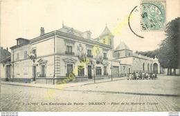 93.  DRANCY .  Place De La Mairie Et L'église . - Drancy
