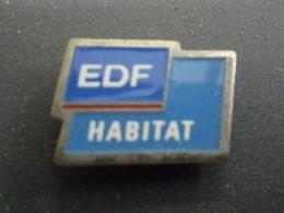 Pin's EDF HABITAT @ 16 Mm X 12 Mm - EDF GDF