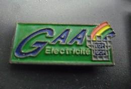 Pin's EDF GDF GAA Electricité @ 31 Mm X 13 Mm - EDF GDF