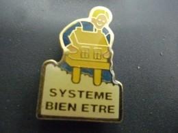 Pin's EDF GDF Système Bien être - Vernis - Maison Dorée @ 27 Mm X 18 Mm - EDF GDF