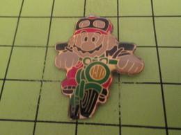 716a Pin's Pins / Beau Et Rare : THEME JEUX / CONSOLE NINTENDO SUPER MARIO EN MOTO - Games