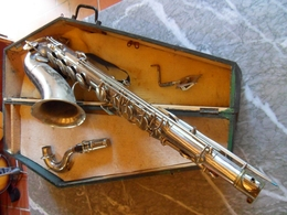 SAXOPHONE ALTO MARQUE BESSON - BON ÉTAT DANS SON BOITIER - ANCIEN - ORCHESTRE MUSIQUE - Instrumentos De Música