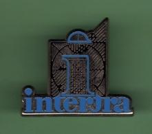 INTERTRA *** 1022 - Badges