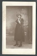 Photo Ancienne Jeune Femme Avec Chapeau à Cornes Et Rubans Cocarde Catherinette ? - Personas Anónimos