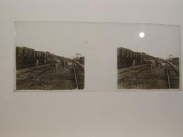 Photo Plaque De Verre Stéréoscopique Guerre 14-18 Poilus Gare à Identifier - Diapositiva Su Vetro