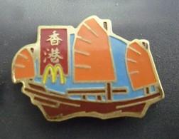 Pin's McDonald's CHINE ARTHUS BERTRAND - BATEAU VOILIER   @ 30 Mm X 22 Mm - McDonald's