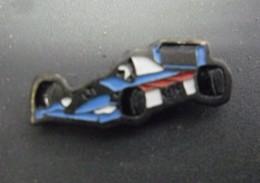 LOT De 2 Pin's AUTO F1 ELF Dont Williams Renault @ 25 Mm X 10 Mm Chacun - F1