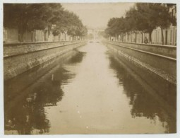 Nîmes . Canal De La Fontaine . Citrate 1902 . - Lieux
