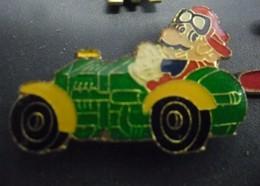 Grand Pin's MARIO BROSS Eu AUTO De Course - Super Nintendo @ 30 Mm X 20 Mm - Jeux