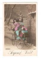 CPA Fantaisie Joyeux  Noël  Filette Dans Voiture à Pédales Poupée  1909 - Sonstige