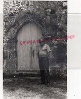 87- MEZIERES SUR ISSOIRE - JEAN HENRI GRASSET DEVANT LA CHAPELLE SAINTE ANNE- RARE PHOTO ORIGINALE - Persone Identificate