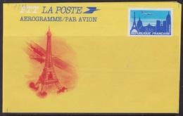 Tour Eiffel - FRANCE - AEROGRAMME - Avion Survolant Paris - N° 1013 AER ** - 1984 - Postal Stamped Stationery