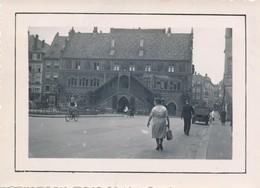 Snapshot 1938 Mulhouse Animée Place Vélo Voiture Bâtiment Horloge Magasins Lory - Luoghi