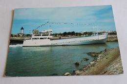 """Le Pointe De Grave - Port Bloc Le Bac """"la Gironde"""" - Ferries"""