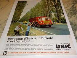 ANCIENNE PUBLICITE SUR LA ROUTE  LES CAMIONS  UNIC  1963 - Trucks