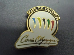 PIN'S CAVE DE FRONTON (31) Cuvée Olympique 1992 @ 20 X 20 Mm - Beverages