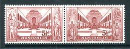 Australia 1958 Australian War Memorial Pair MNH (SG 302-303) - Mint Stamps