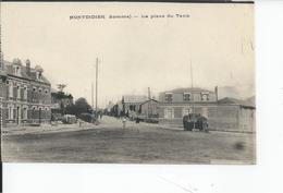 MONTDIDIER   La Place Du Tank - Montdidier
