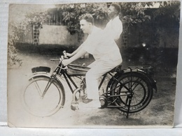 Conakry. Vélomoteur. 12x9cm - Africa
