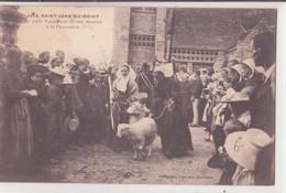 CPA  - 3038. ST JEAN DU DOIGT - Le Petit Saint Jean Et Son Mouton à La Procession - Saint-Jean-du-Doigt