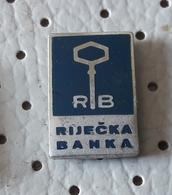 Rijecka Banka RB Bank, Banco, Banque Croatia Ex Yugoslavia Pin - Banks