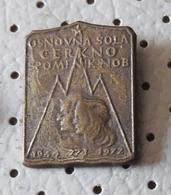 Tito's Pioneer  Pioneers SLOVENIA Ex Yugoslavia  Pin - Associations