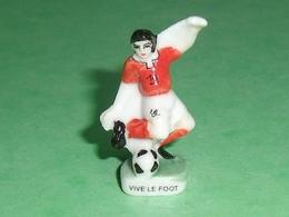 Fèves / Sports : Vive Le Foot ( Grand Modèle )             T13 - Sports