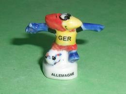 Fèves / Sports : Foot , Footix , France 98 , 1995 Allemagne  T13 - Sports
