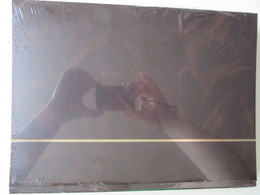Ney002 NIEUW A4 LEUCHTTURM ALBUM KLEUR DONKER BRUIN / DARK BROWN MET 64 WITTE BLADEN / 64 WHITE PAGES - Album & Raccoglitori